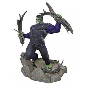 Diamond Select Toys: Marvel Gallery Avengers 4 - Tracksuit Hulk Deluxe PVC Diorama