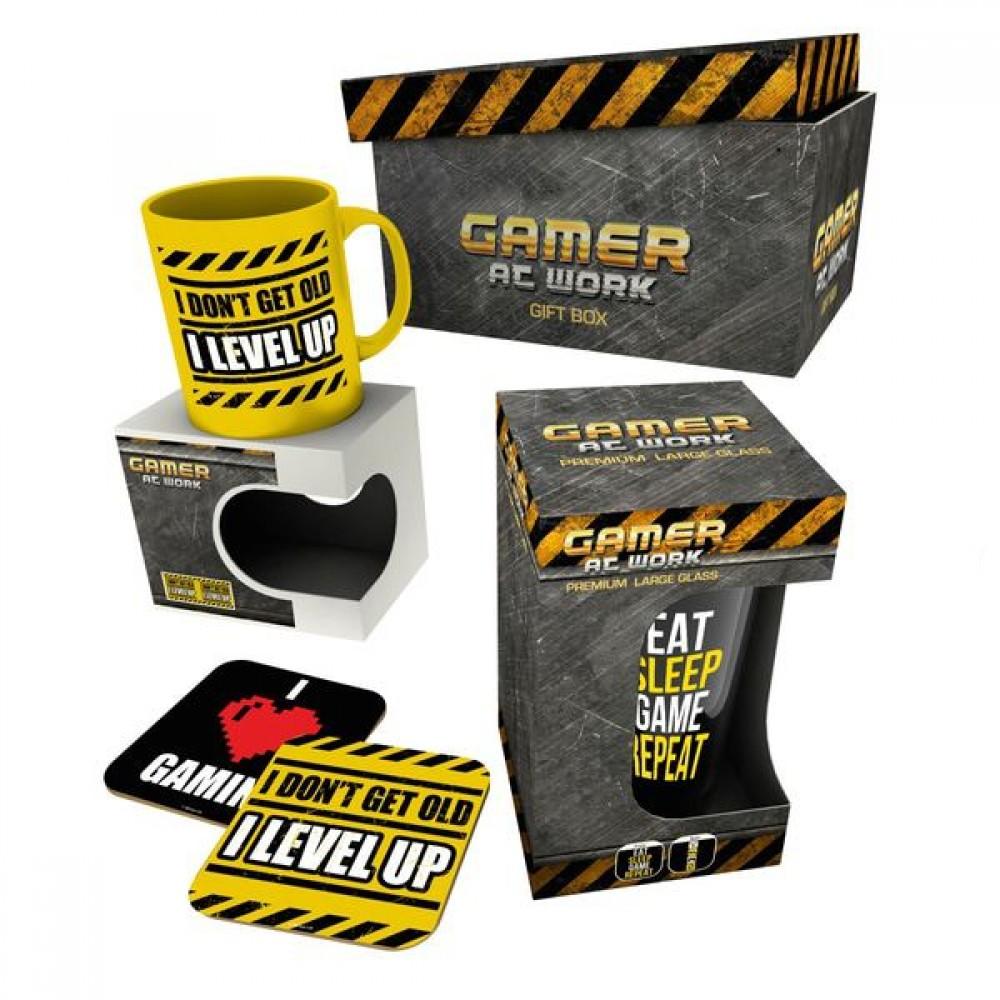 Gaming - Gamer at Work (Mug + Glass + 2x Coasters) Gift Box